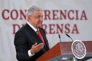 Presenta AMLO convocatoria nacional de ingreso a la Universidad de la Salud