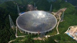 Ya empezó a funcionar el radiotelescopio más grande del mundo en China