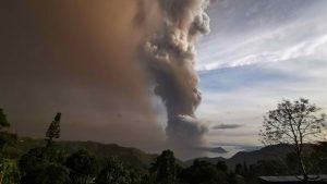 Declaran estado de calamidad en Filipinas por erupción del volcán Taal