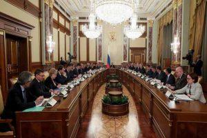 Dimite todo el gabinete Ruso tras cambios a la constitución anunciados por Putin
