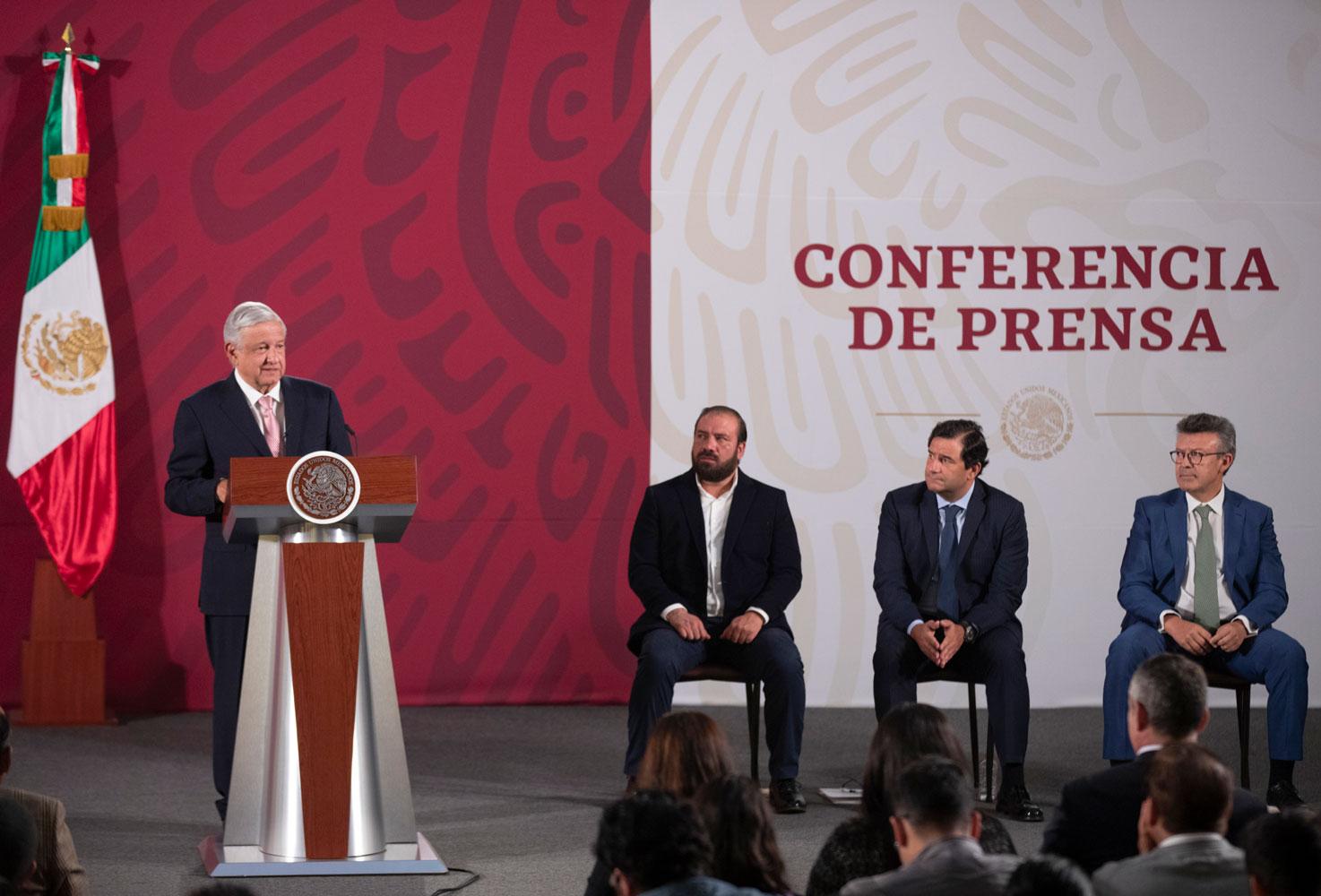 Invertirá Microsoft Mil 100 mdd en México para desarrollo tecnológico: AMLO