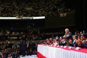 Destaca AMLO libertad y democracia sindical, reafirma compromisos con trabajadores