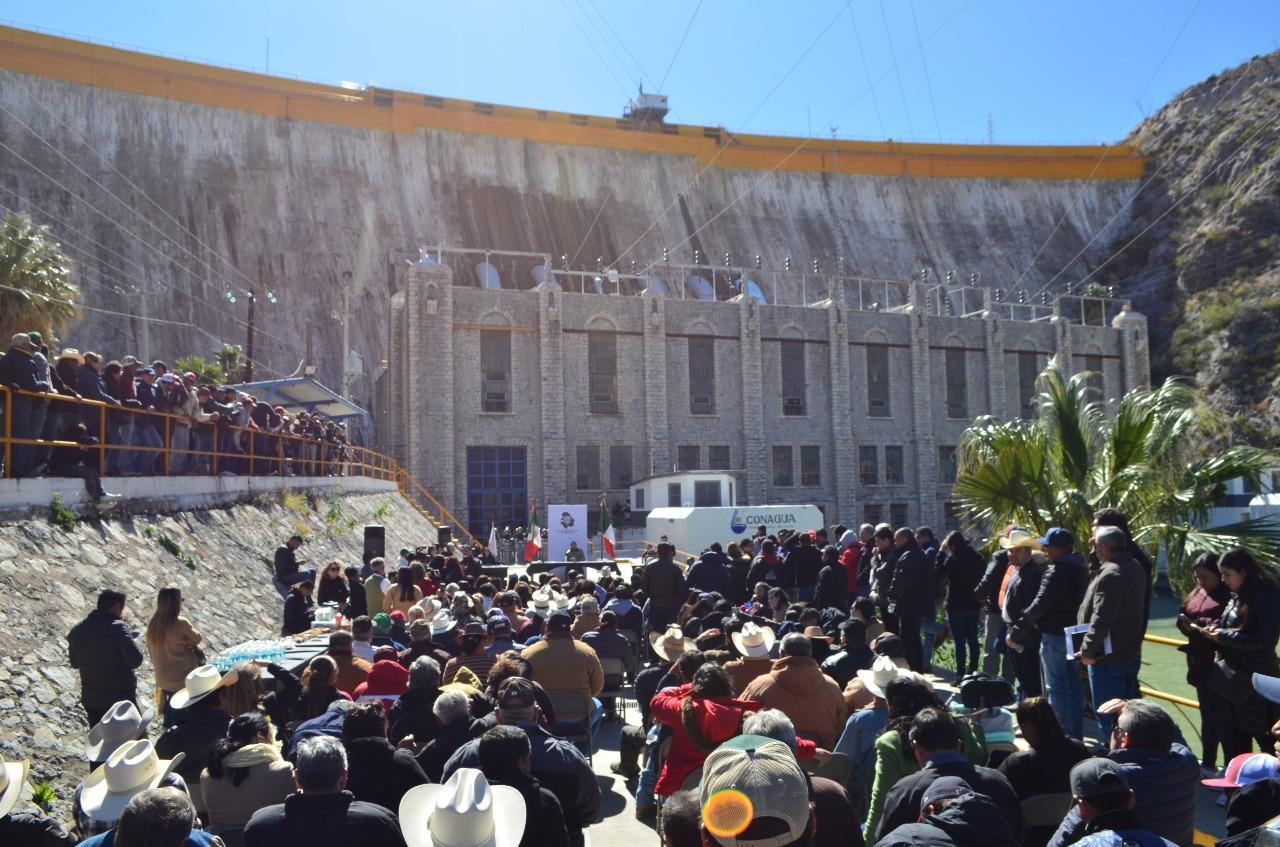 Convierten autoridades a hidroeléctrica, en templo y pleno del Congreso