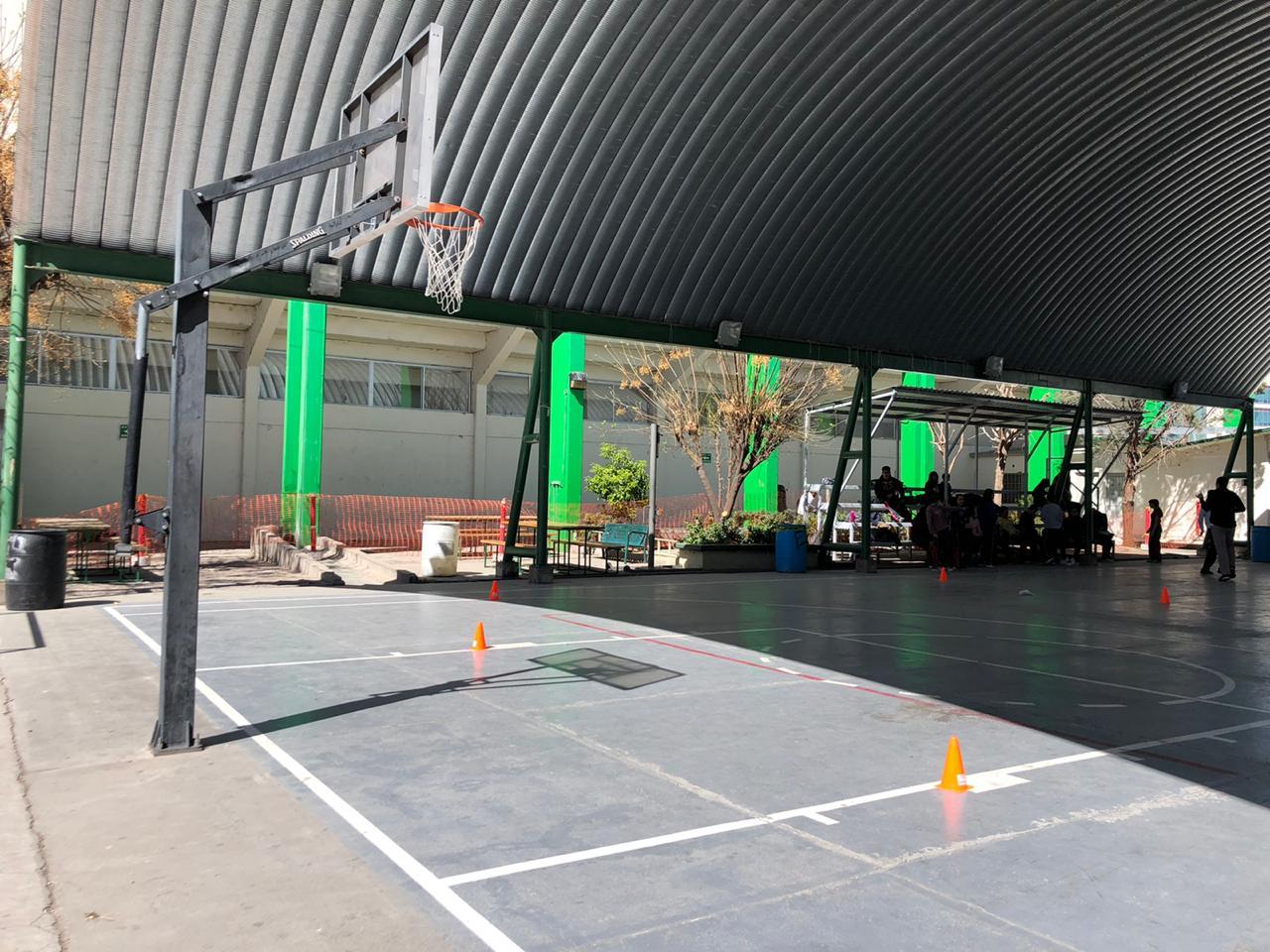 Enfurecen alumnos del Cobach 1; les quitan espacios de recreación por obras en el gimnasio