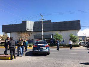 TERROR FRENTE A LA DIRECCIÓN DE LA POLICÍA VIAL; HIEREN A MUJER POLICÍA TRAS ATAQUE