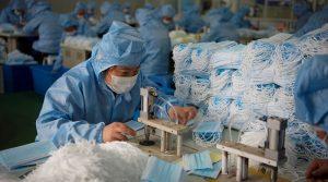 Envía China un millón de cubrebocas a Francia por contingencia del Coronavirus