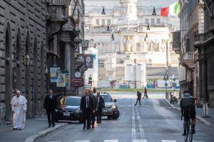 Italia con más mil 800 muertos por COVID-19, Vaticano se prepara para Semana Santa sin fieles