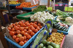 Aprovechan chihuahuenses el domingo para surtirse en mercado popular