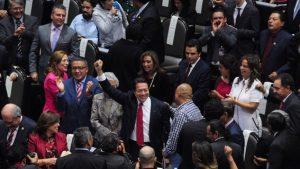 Va Morena por recorte a partidos políticos para apoyar a sectores vulnerables ante COVID19