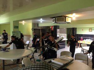 Policías vs. Covid-19; limpian asilo