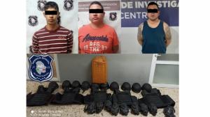Caen 3 sujetos de «Los Chapitos» con droga y equipos tácticos