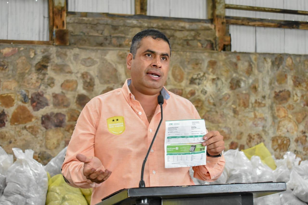 Gobierno Municipal pagará recibos de luz: Alfredo Lozoya