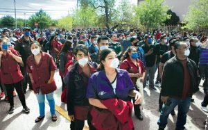 Van 17 muertos por COVID19 en maquilas de Juárez, empresas se resisten a suspender operaciones
