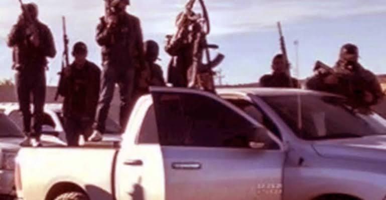 Comando armado usa barrerts para rescatar a mujer detenida por trata