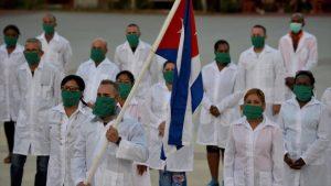 Otra brigada médica cubana viaja a Sudáfrica, ayudan en 21 países