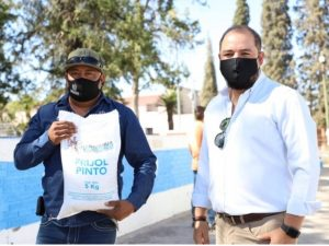 Entregan primeros 500 paquetes alimentarios emergentes a zona rural