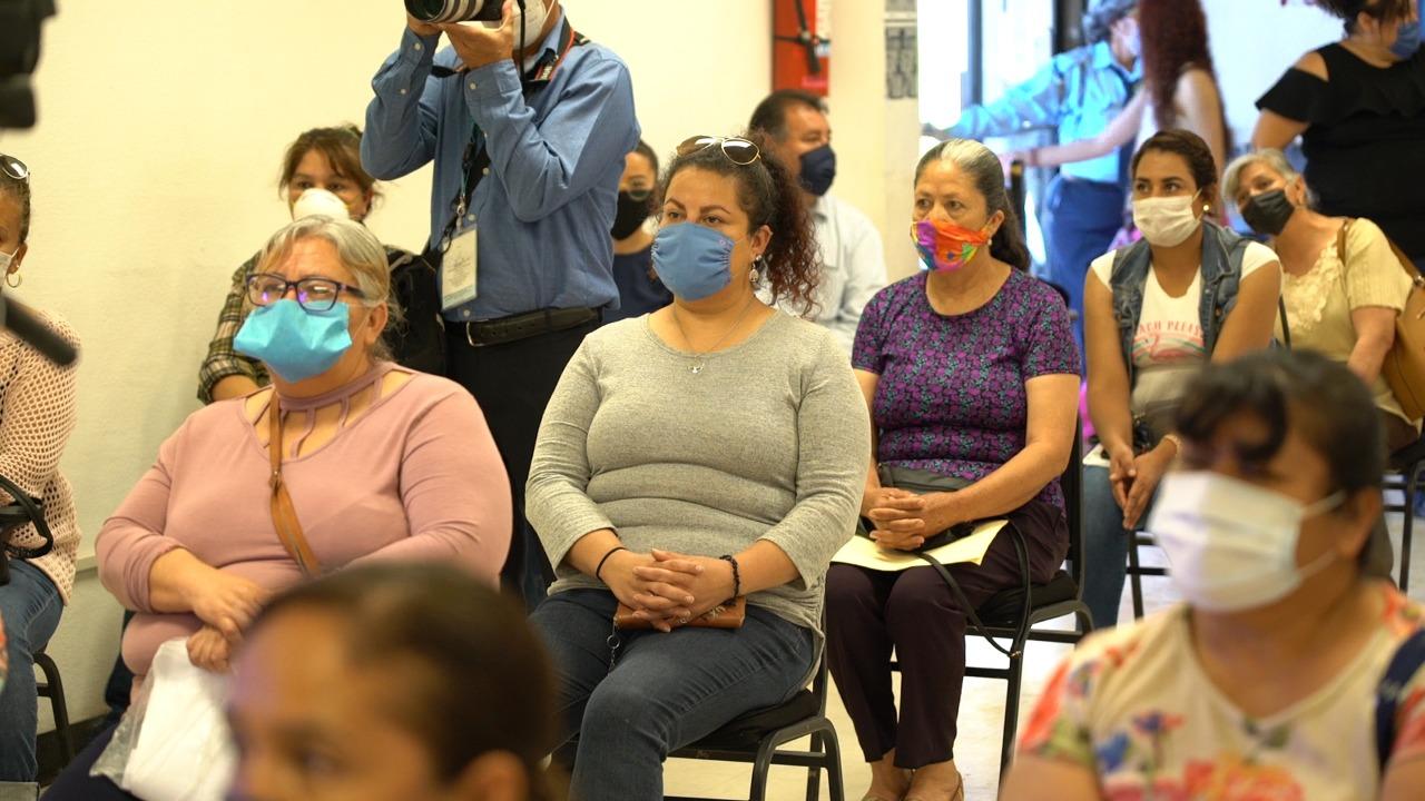 """Apoya 4T con apoyos económicos a mujeres de cooperativa """"Ojo de la casa Samalayuca"""""""