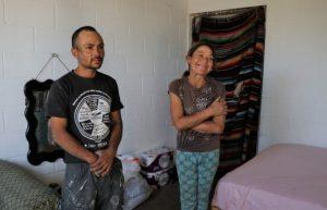 Julia pierde su casa en incendio, pero jóvenes y Municipio hacen algo inesperado