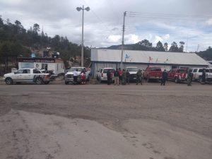 Realizan exitoso rescate de maestro y 3 jóvenes en la Cascada de Basaseachi