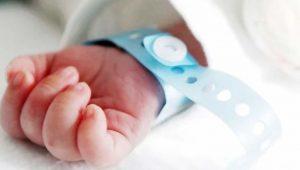 Bebé nace con COVID-19, su madre se contagió en baby shower clandestino