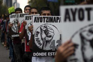 """""""Se cae la verdad histórica"""" del PRI en caso Ayotzinapa, hallan restos de estudiante cerca de Iguala"""