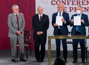 Firma acuerdo AMLO con la UNOPS para compra de medicamentos y equipo médico en el extranjero