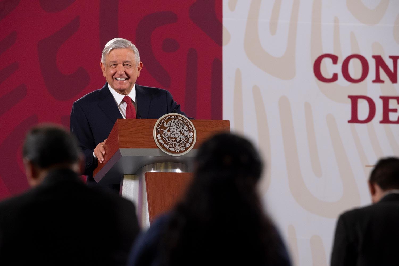 Agradece AMLO muestras de cariño de mexicanos en Estados Unidos ante próxima reunión con Trump