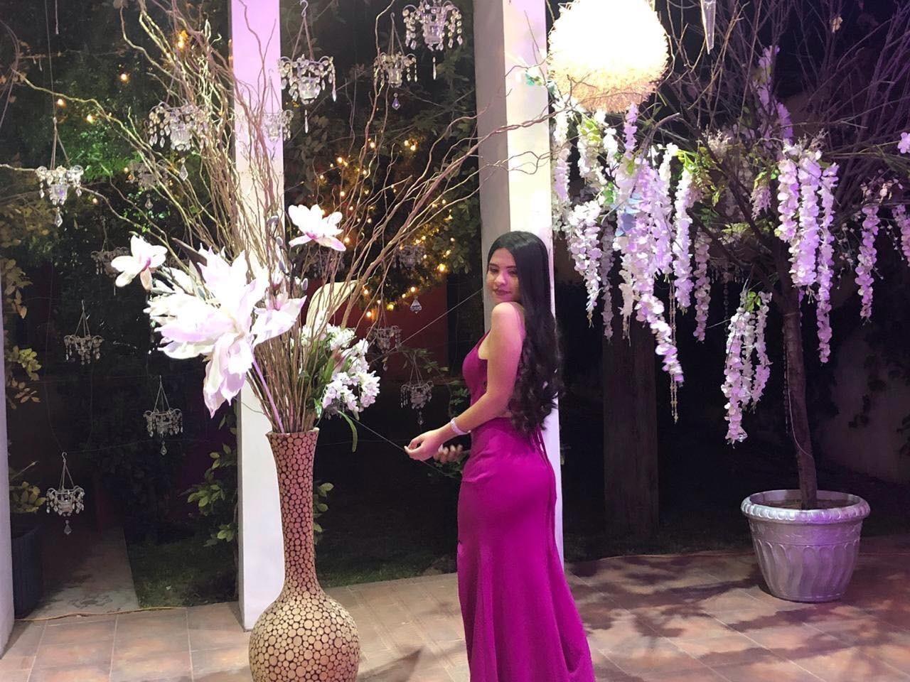 Jovencita busca apoyo para representar a Chihuahua en certamen de belleza en Jalisco