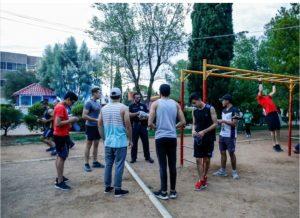 📹Con 100 policías, Municipio refuerza operativo SEMÁFORO naranja; entregan cubre bocas en deportivas