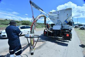 En Chihuahua cada 15 minutos se parcha; se tapa el hoyo con la JetPatcher