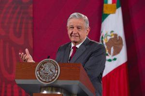 """Encuesta de """"El Reforma"""", está """"cuchareada"""", señala AMLO, sostiene apoyo del pueblo y agradece"""