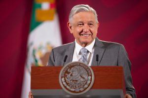 """Celebra AMLO eliminación del fuero al Presidente """"es un hecho histórico"""""""