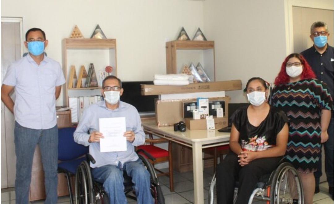 Apoya DIF Municipal a asociación civil de personas con discapacidad para proyecto productivo
