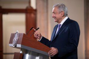Analiza AMLO reforma para priorizar interés de la nación en materia energética