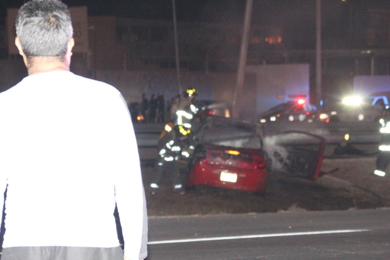 Tres lesionados y un muerto, saldo de terrible choque por exceso de velocidad en la Nogales