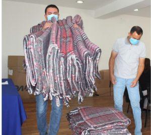 Entrega DIF Municipal apoyos en cobijas y colchonetas para familias