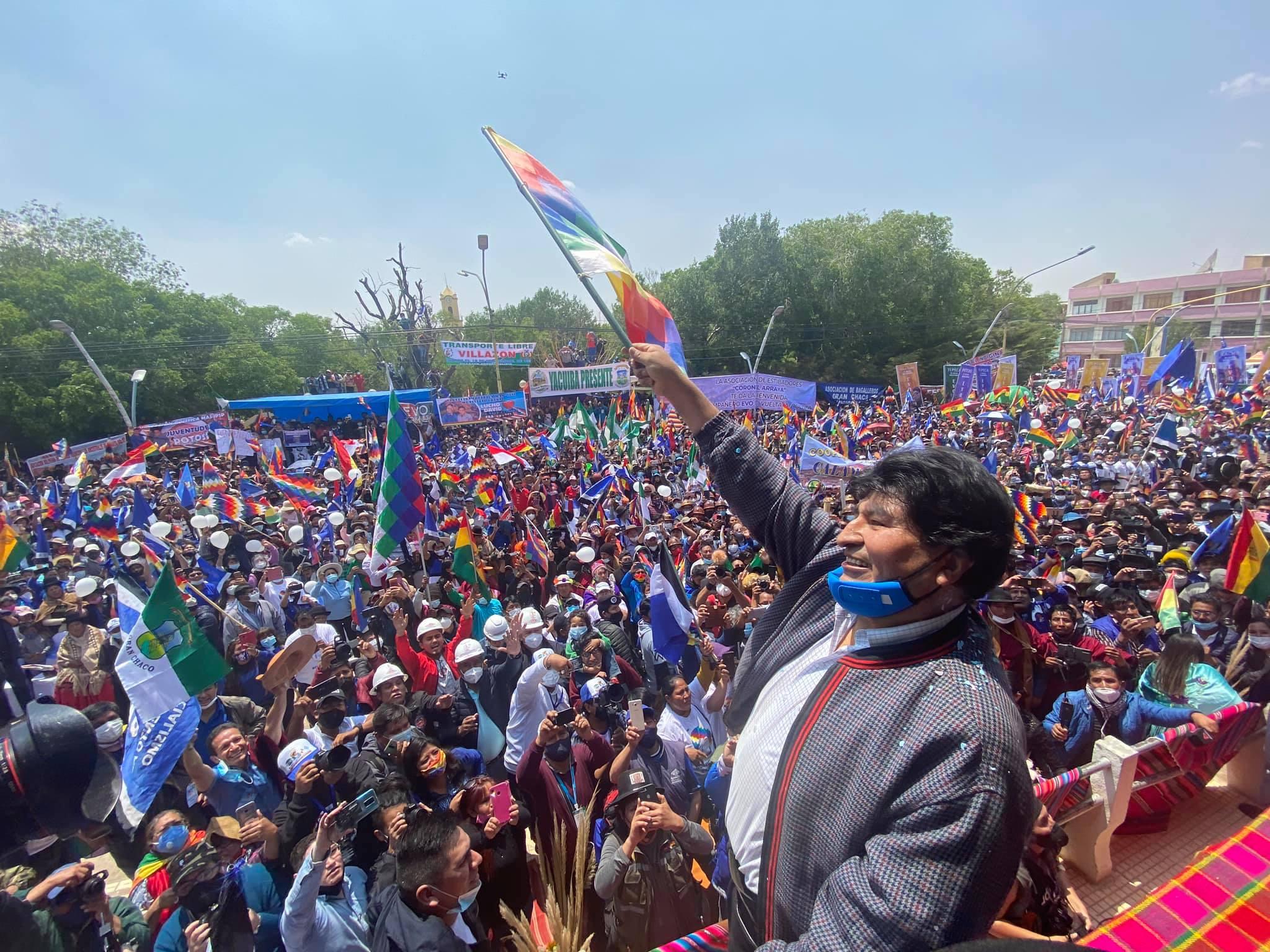 """Júbilo en Bolivia por regreso de Evo Morales, """"hemos recuperado la democracia son violencia"""""""