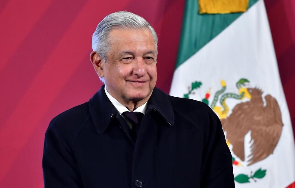 """Descarta AMLO detener entrega de recursos a beneficiarios de fideicomisos, """"impugnación de gobernadores es propaganda electoral"""""""