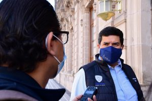 Prepara Corral denuncia penal contra Salinas Pliego por supuesto montaje de confrontación en banco Azteca