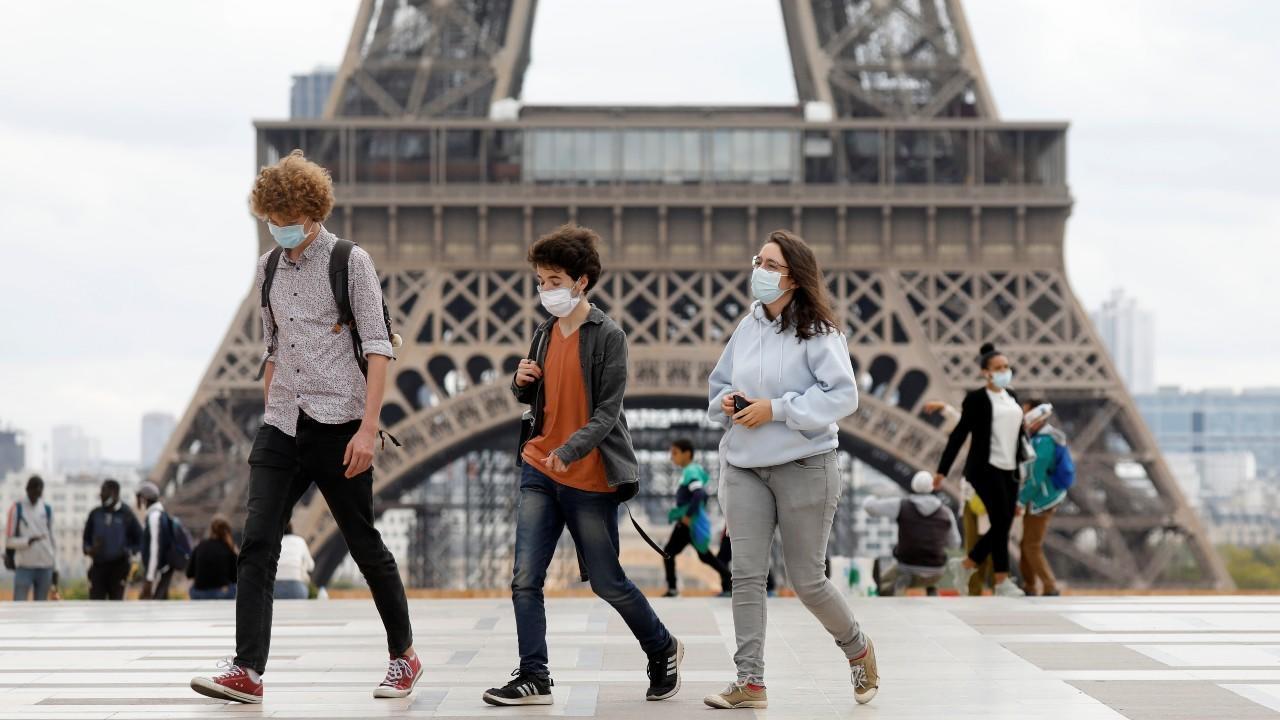 Rebasa Francia los 2 millones de casos de COVID19