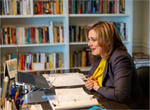Imparte Maru Campos plática a futuros abogados del Tec de Monterrey