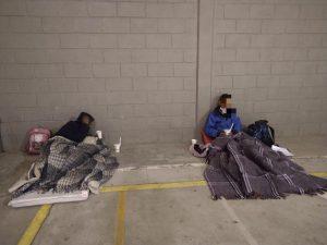 Pasan la noche tres personas en refugio temporal del Gobierno Municipal
