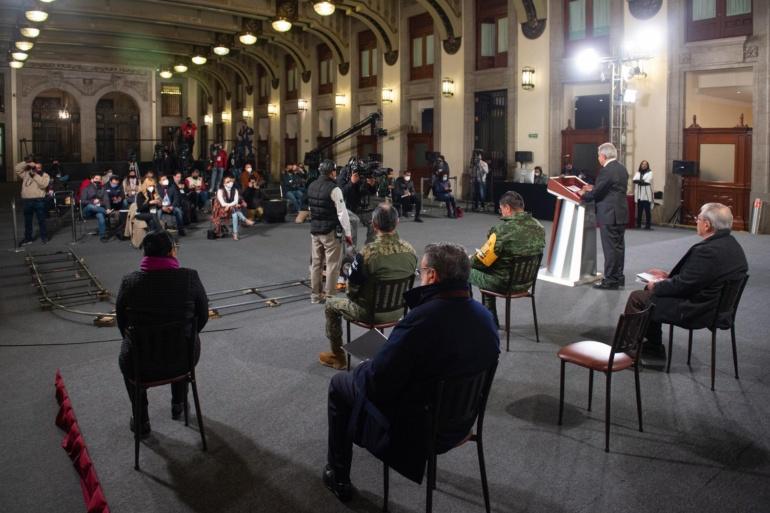 "Busca AMLO recuperar penales privatizados ligados a empresarios ""Se entregaron con Calderón"""