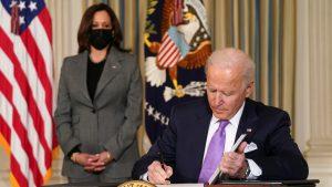 No solo las mañaneras, Biden va contra prisiones privadas como AMLO