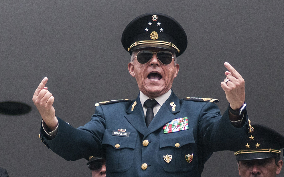 Exonera FGR al General Cienfuegos