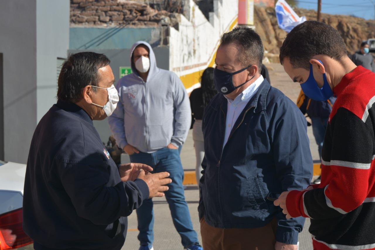 Recorre Mario Vázquez colonia Santa Rosa: saluda a militancia