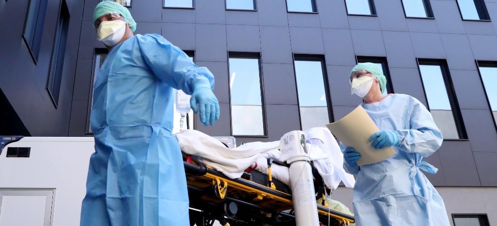 Reporta OMS cifra récord de 15 mil muertes en un solo día por COVID19