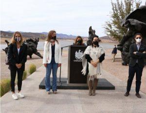 """Presenta Gobierno Municipal las esculturas """"Tres Cabezas"""" de Javier Marín"""