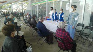 Continuará aplicación de la primera dosis de vacunas el lunes a los adultos de 60 y más en Chihuahua.