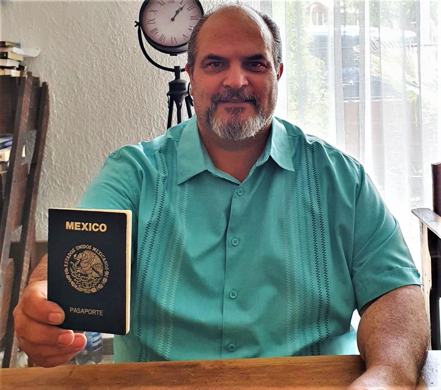 También tengo mi pasaporte, ¿y la diputada del PAN?: Benjamín Carrera